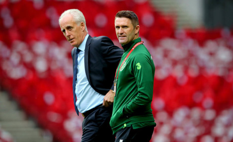 Mick McCarthy and Robbie Keane before the game