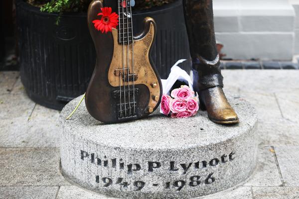 1283 Phil Lynott statue_90573196