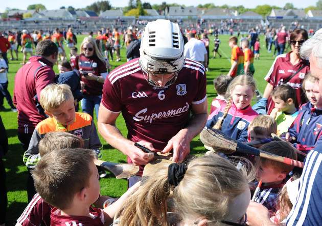 Gearoid McInerney signs autographs