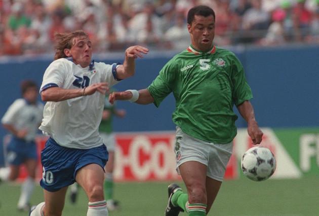 Paul McGrath and Guisippe Signori 1994