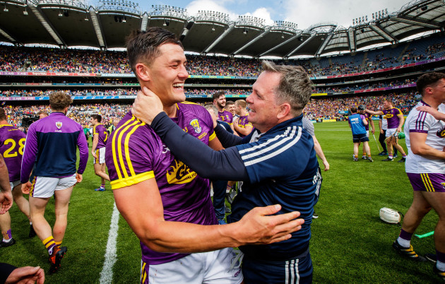 Lee Chin celebrates with Davy Fitzgerald