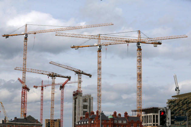 tower cranes 819_90570236