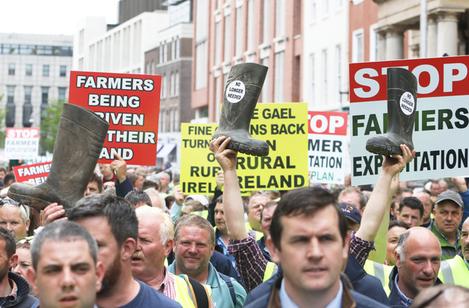 9973 Farmers Protest_90575228