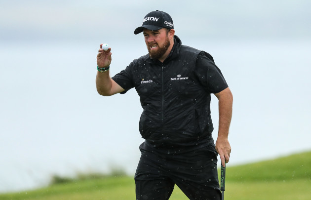 Shane Lowry acknowledges fans