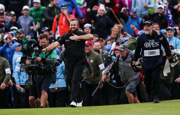 Shane Lowry celebrates winning