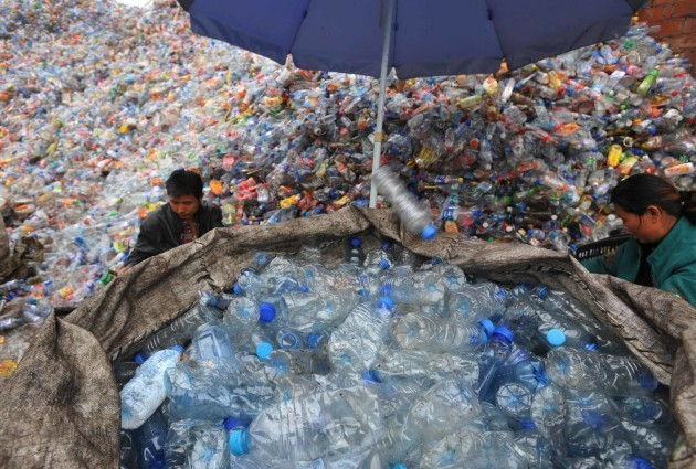 China, Wuhan: Recyclable plastic bottles
