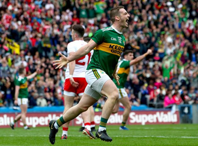 Stephen O'Brien celebrates scoring a goal