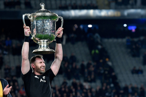 Kieran Read lifts the Bledisloe Cup