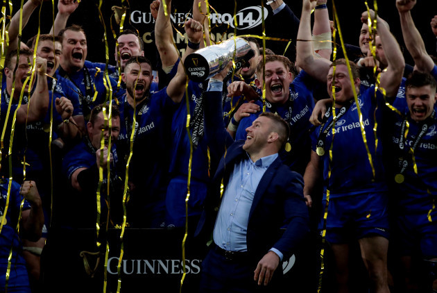 Leinster's Sean O'Brien lifts the Trophy and the team celebrate