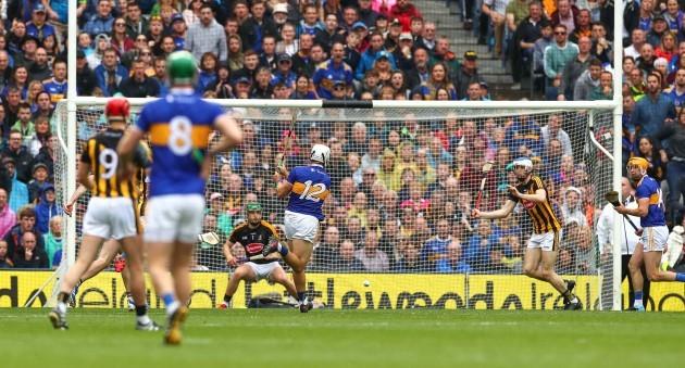 Niall O'Meara scores their first goal