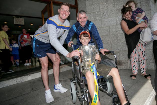Seamus Callanan and Liam Sheedy with Luke Marum