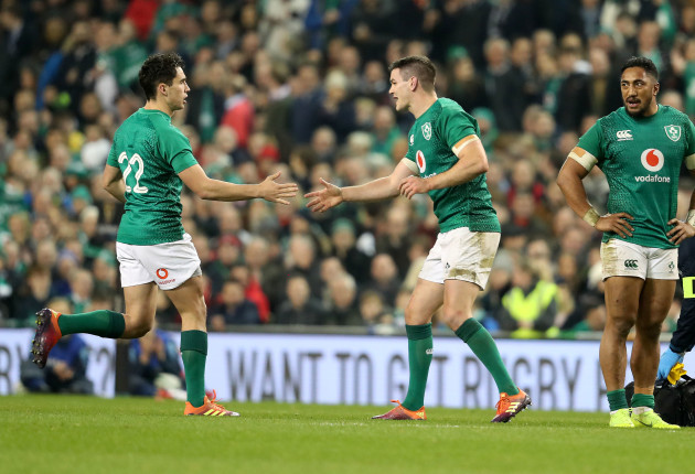 Joey Carbery comes on for Jonathan Sexton