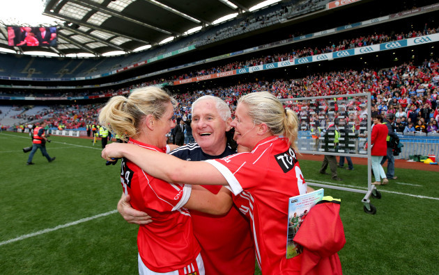 eamon-ryan-celebrates-with-angela-walsh-and-deirdre-oreilly