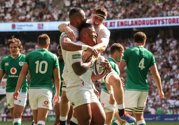 Rugby manu-tuilagi-celebrates-his-try-with-tom-curry-and-joe-cokanasiga