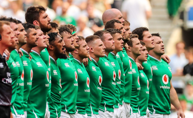 ireland-team-line-up-for-the-national-anthem