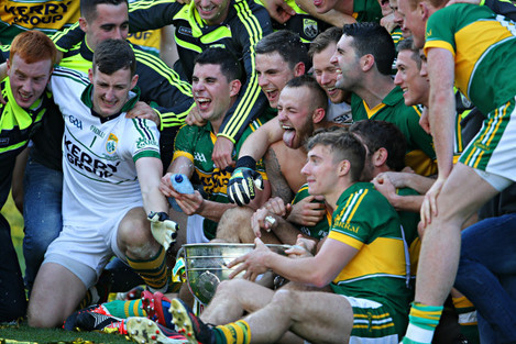 kerry-players-celebrate-with-the-sam-maguire-cup