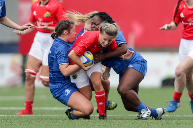 abbie-slater-townsend-is-tackled-by-hannah-foxe-and-oreoluwa-olateju