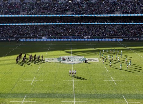 ireland-team-face-the-haka-in-a-shape-of-eight-in-memory-of-anthony-foley-of-munster