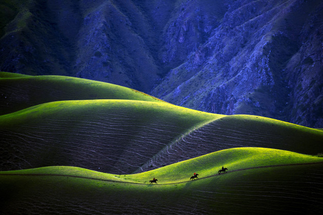 the-yili-of-xinjiang-the-scenery-and-the-beauty-of-the-prairie-of-the-kara-jun-curve