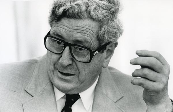 taoiseach-and-fine-gael-leader-garret-fitzgerald-1986-pic-photocall-ireland