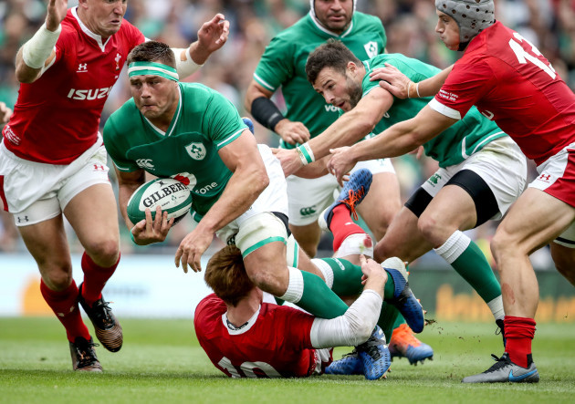 cj-stander-tackled-by-rhys-patchell-and-jonathan-davies