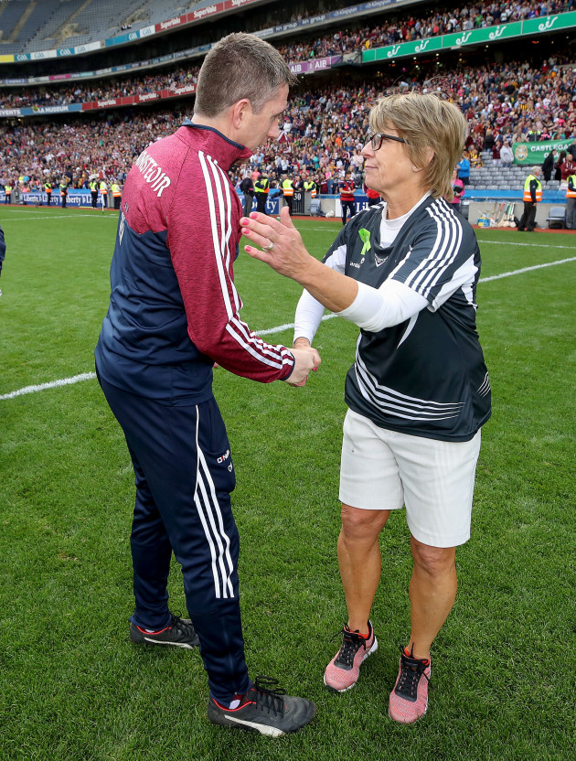 cathal-murray-is-congratulated-by-ann-downey