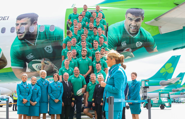 the-ireland-team-before-departing-for-japan