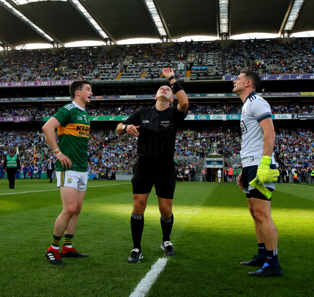 paul-murphy-with-stephen-cluxton-and-conor-lane-at-the-coin-toss