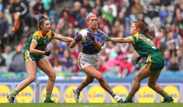aisling-mccarthy-comes-up-against-maire-oshaughnessy-and-orlaith-duff