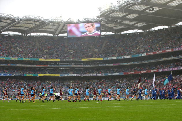 dublin-and-galway-teams-during-the-parade