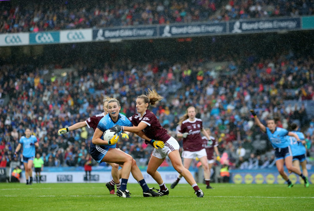 jennifer-dunne-is-tackled-by-barbara-hannon-and-sinead-burke