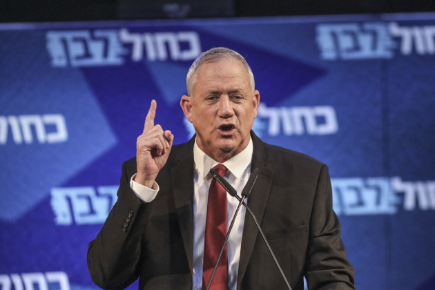 leader-of-israeli-blue-and-white-party-campaigns-in-tel-aviv