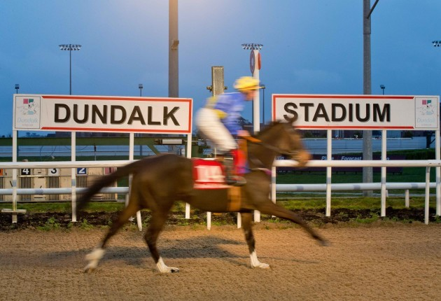 a-general-view-of-racing-at-dundalk