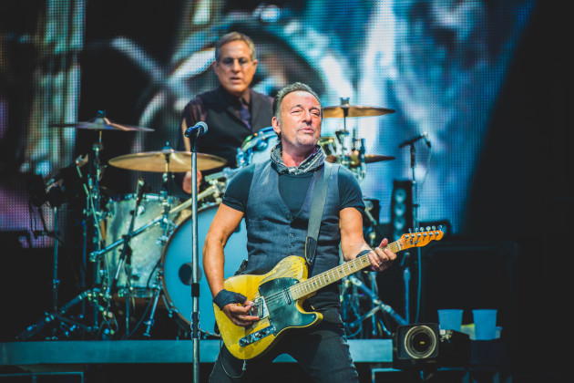 bruce-springsteen-and-the-e-street-band-in-concert-milan