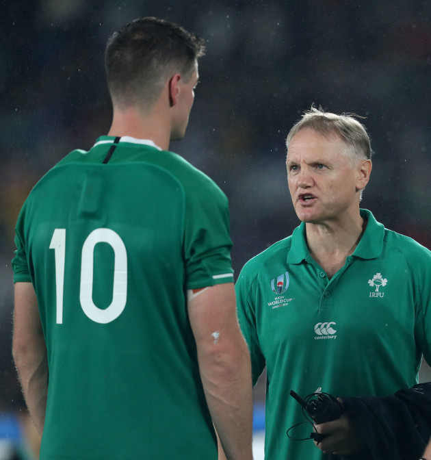 joe-schmidt-speaks-with-jonathan-sexton-after-the-game