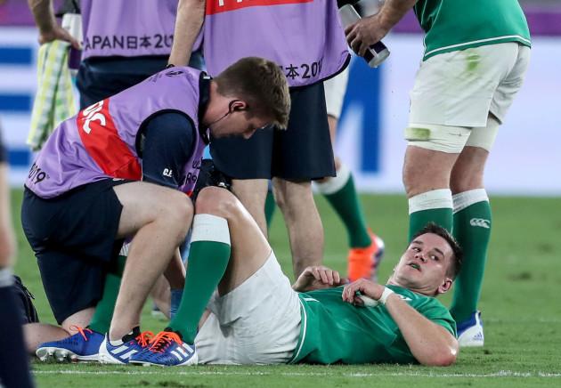 jonathan-sexton-down-injured