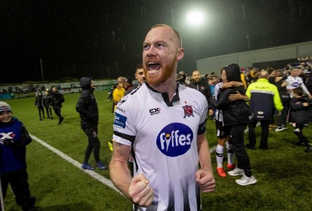 chris-shields-celebrates-winning-the-league