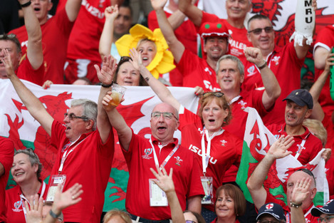 wales-fans-before-the-game