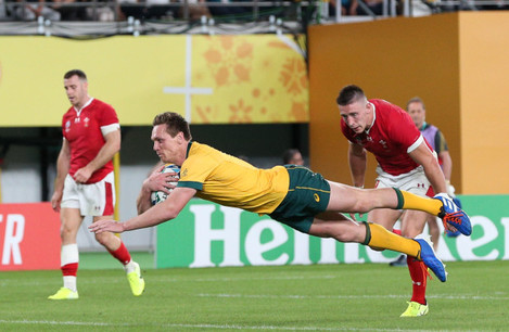 dane-haylett-petty-scores-his-sides-second-try