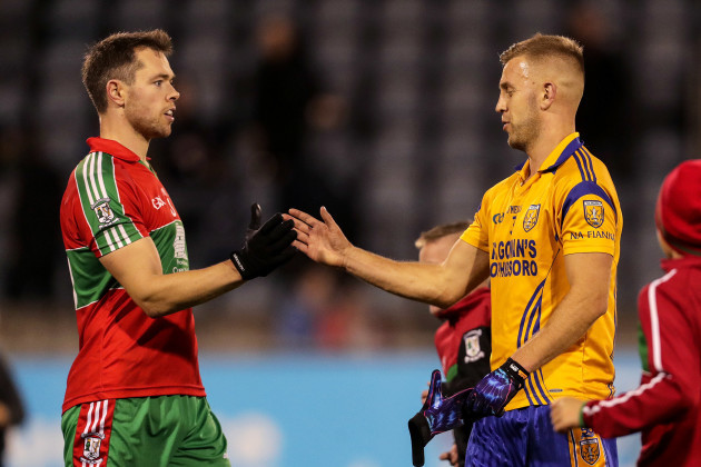 dean-rock-shakes-hands-with-jonny-cooper-after-the-game