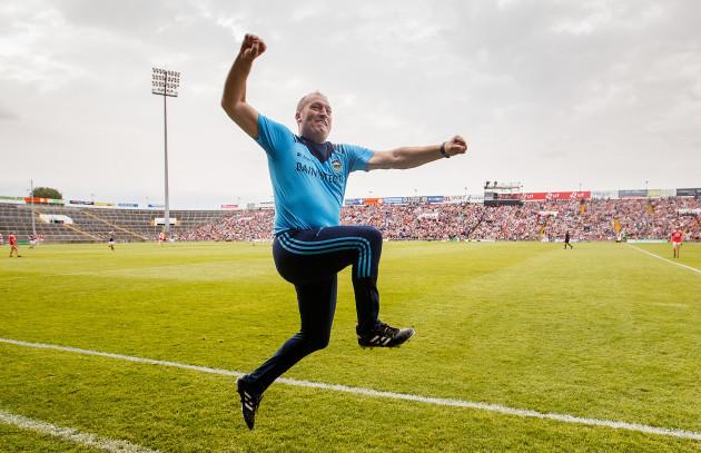 liam-cahill-celebrates-a-late-goal