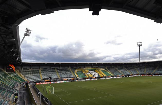 az-alkmaar-v-manchester-united-uefa-europa-league-group-l-cars-jeans-stadion