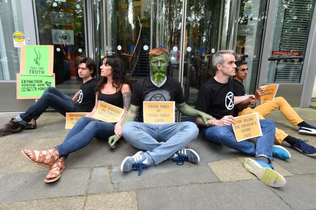 extinction-rebellion-ireland-protest