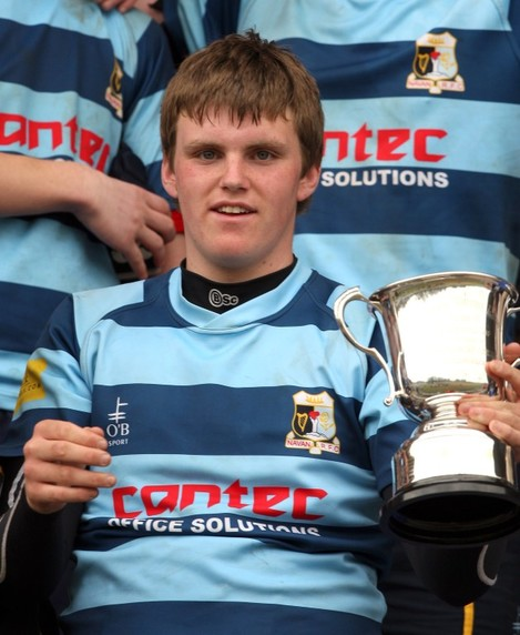 conor-ryan-with-the-trophy