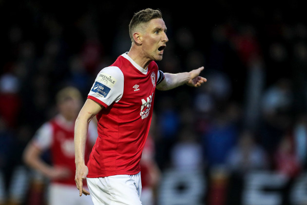 ian-bermingham-protests-the-decision-to-award-bohemians-a-penalty