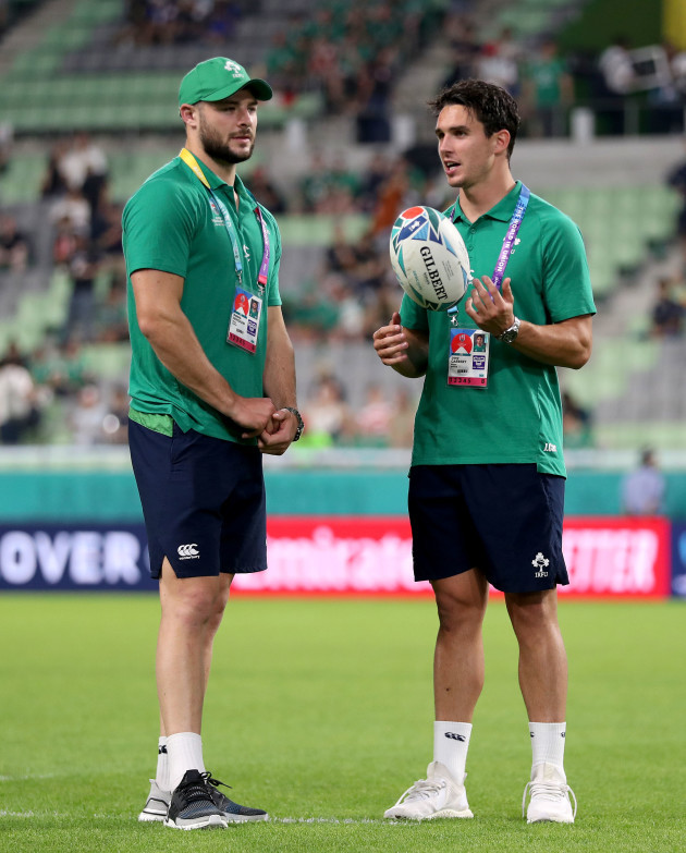 irelands-joey-carbery-before-being-replaced-in-the-squad-by-conor-murray-with-robbie-henshaw
