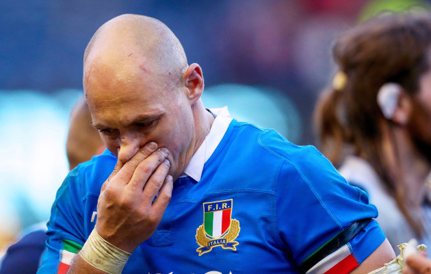 sergio-parisse-dejected-after-the-game