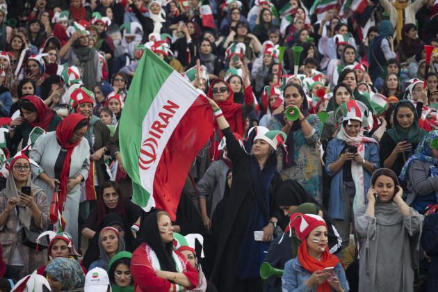 women-march-freely-in-iran