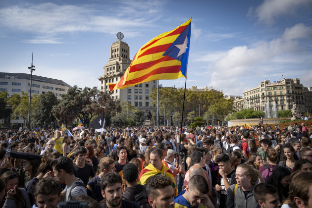 independence-protest-against-court-sentences-in-barcelona-spain-14-oct-2019