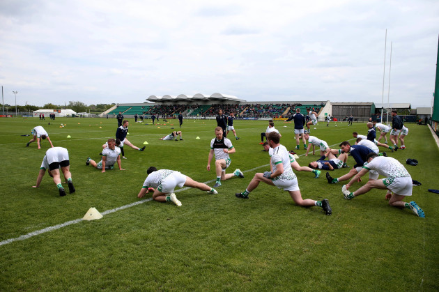 the-london-team-warming-up